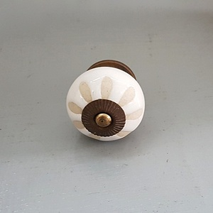 Cream Ceramic Etched Knob (Floral)