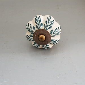 Ceramic green Leaf Knob