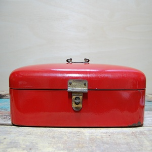 VINTAGE RED ENAMEL BOX