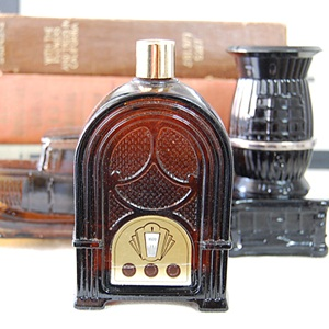 VINTAGE AVON RADIO DECANTER